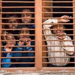 Entreculturas lanza 'Escuelas en peligro de extinción' y denuncia que más de 260 millones de niños no van a la escuela