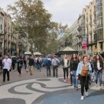 España bate récords de turistas, recibiendo 77,8 millones hasta noviembre, más que en todo 2016