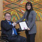 """Fundación Bancaria """"la Caixa"""" recibe el Sello Bequal PLUS, que certifica su política de inclusión de la discapacidad"""