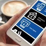 BBVA lanza una 'app' pionera que facilita la operativa en cajeros a las personas ciegas