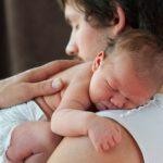 Crece el consenso en favor de la equiparación de los permisos de paternidad