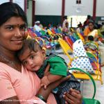 Movistar+ inicia una campaña de apoyo a la Fundación Vicente Ferrer para mejorar la atención médica de los niños de la India