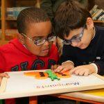 El acceso a la lectura y las tecnologías inclusivas facilitan la vuelta al cole de 7.500 estudiantes ciegos