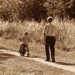 Los abuelos, figura clave en una 'vuelta al cole' saludable para toda la familia