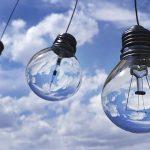 Las personas que dispongan de bono social eléctrico deben pedir su renovación antes del 8 de octubre