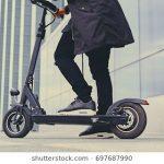 Hay que tomar medidas preventivas ante el peligro que suponen los nuevos vehículos urbanos para las personas con discapacidad