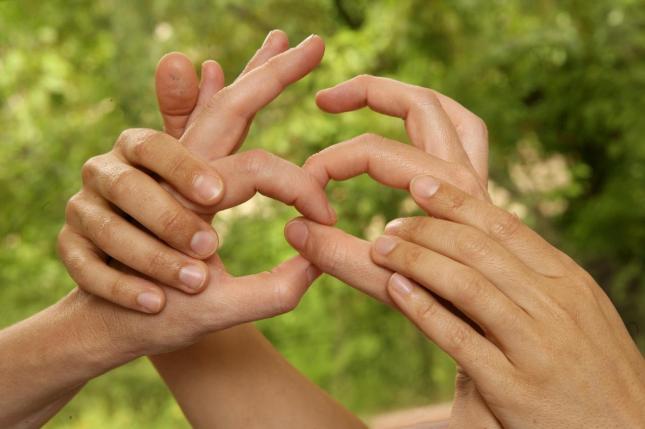 La CNSE reclama que las lenguas de signos españolas se equiparen al resto de lenguas del Estado