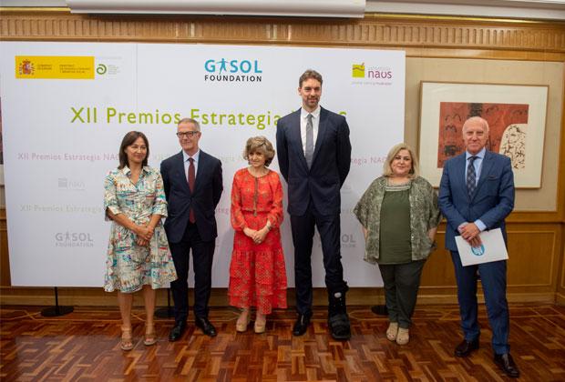 Pau Gasol recibe el Premio de Especial Reconocimiento de la Estrategia NAOS por su liderazgo en la difusión de hábitos saludables