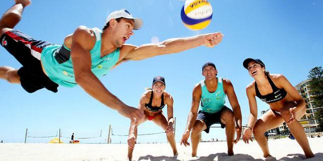 Vóley Playa, el deporte rey del verano para mantenerse activo