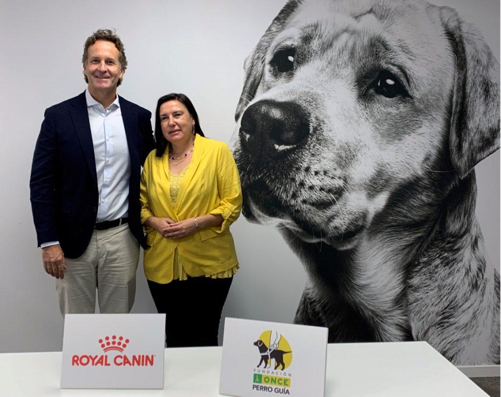 Royal Canin apoyará el proyecto de los perros guía de la ONCE