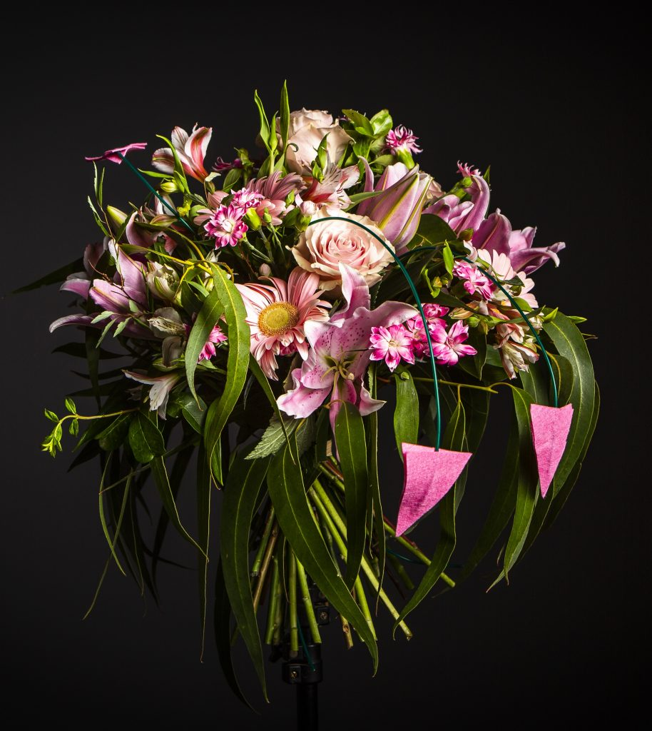 Flores solidarias para la investigación del cáncer de mama