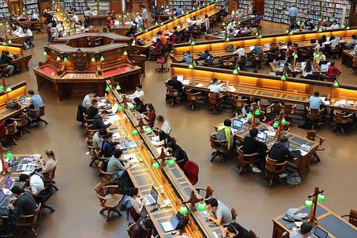 El CERMI exige a España que reclame a Europa un aumento sustancial del apoyo a los estudiantes con discapacidad en el programa 'Erasmus+'