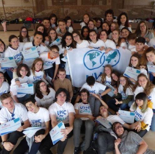 Dos jóvenes con discapacidad participan en el programa ActionxPeace de la Fundación Colegios del Mundo Unido