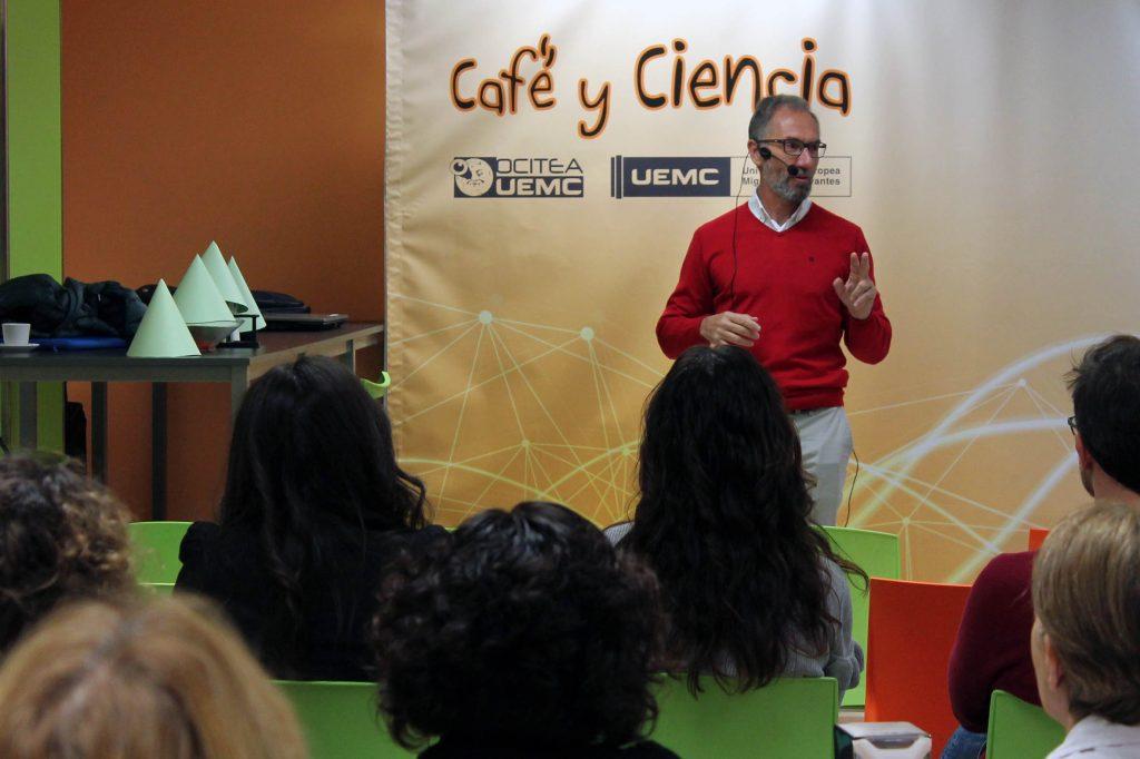 'Café y ciencia' para todos los públicos en la Universidad Europea Miguel de Cervantes (UEMC)