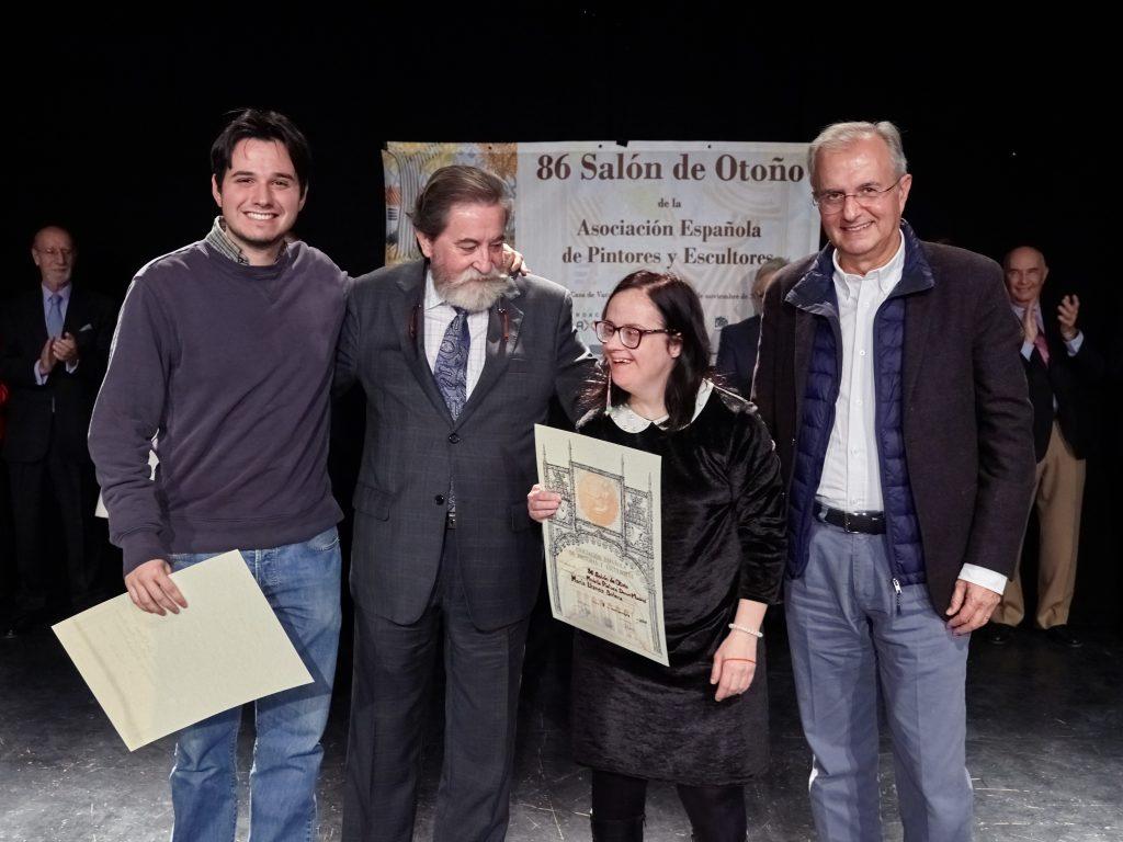 Una artista de Down Madrid expone su arte en el 86 Salón de Otoño de la AEPE