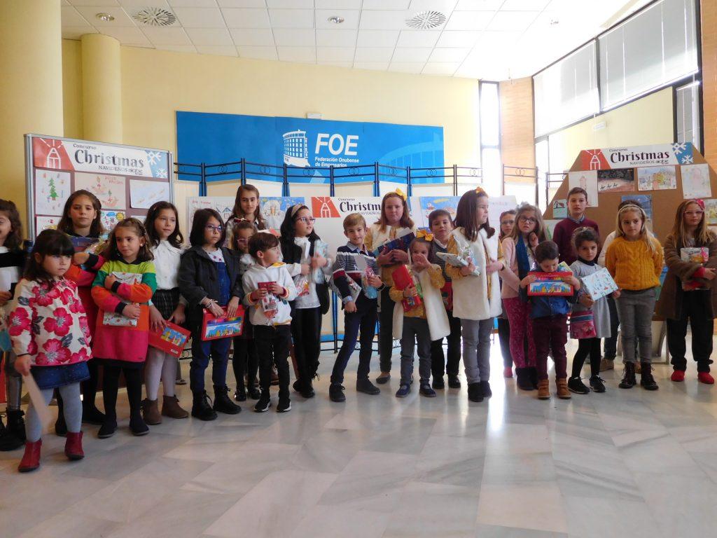 Clara Ruiz y Lorena Aparicio, ganadoras de la V edición del Concurso Infantil de Christmas Navideños de AIQBE