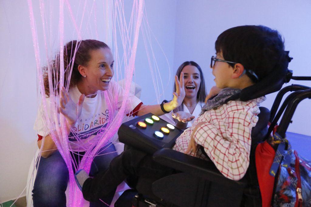 Carrefour financia la creación de una sala de estimulación multisensorial a favor de 276 menores con parálisis cerebral de Salamanca