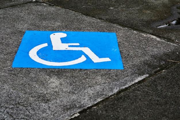 El CERMI pide a los europarlamentarios españoles que trabajen para derogar los aspectos discriminatorios del Reglamento de derechos de pasajeros aéreos con discapacidad