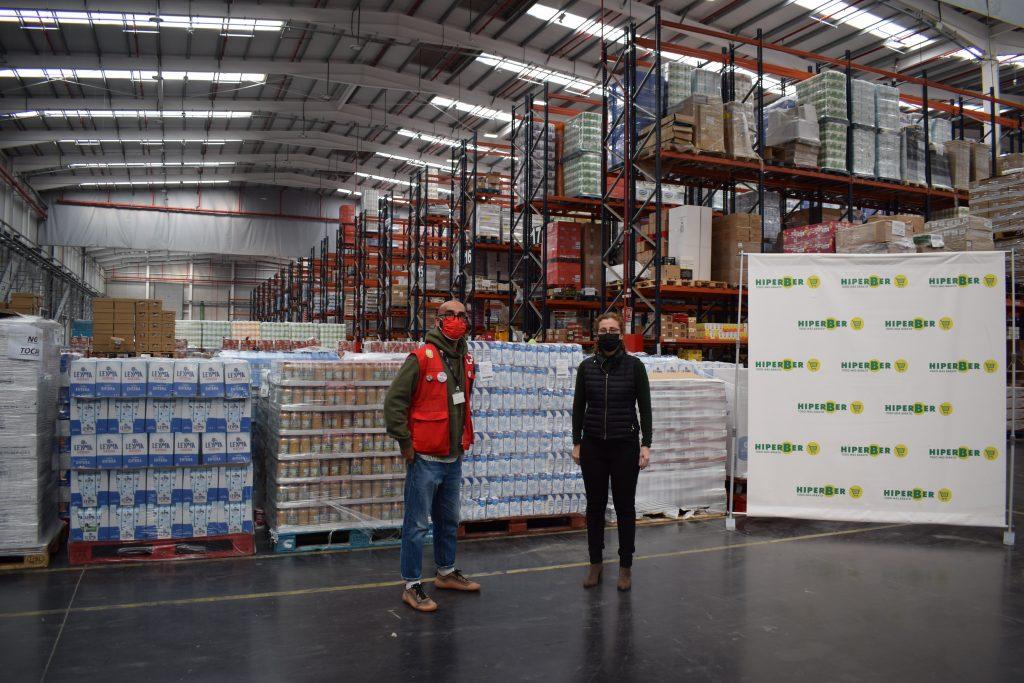 Hiperber entrega 12.000 kilos de alimentos a Cruz Roja