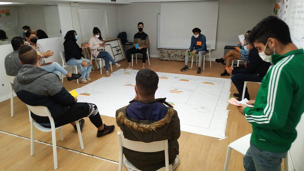 Fundación Pioneros ayuda a que 79 jóvenes consigan un empleo y 85 continúen con su formación