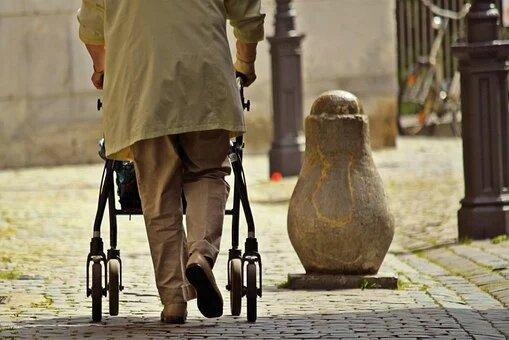 EL CERMI plantea a la Unión Europea que el próximo Libro Verde sobre el Envejecimiento tenga presente a las personas con discapacidad mayores