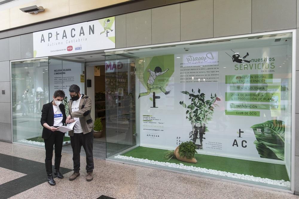 Carmila y Fundación Solidaridad Carrefour promueven la integración laboral de jóvenes con autismo de la mano de APTACAN Cantabria