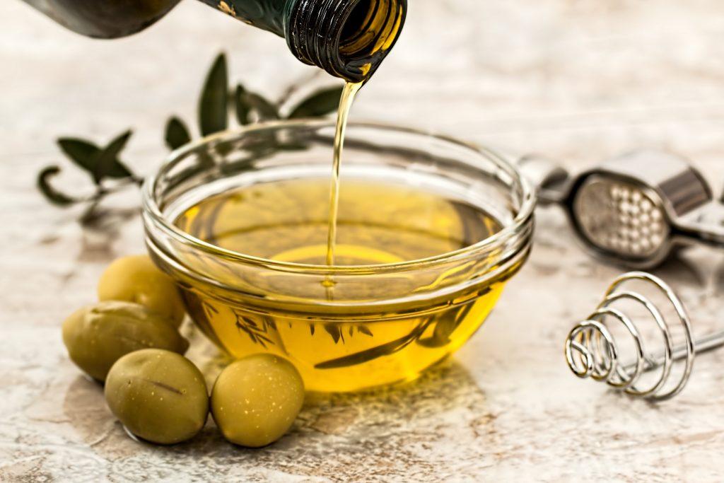 Investigadores patentan un nuevo método para producir un potente antioxidante del aceite de oliva