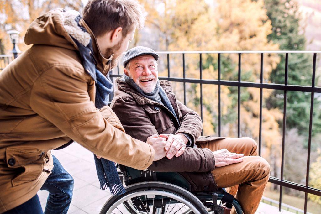 """La Fundación """"la Caixa"""" lanza un programa pionero para que las personas mayores recuperen el sentido de sus vidas en pandemia"""