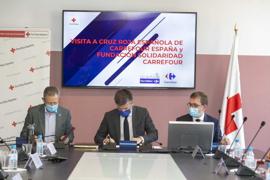 Carrefour y Cruz Roja firman un convenio en materia de empleo e integración