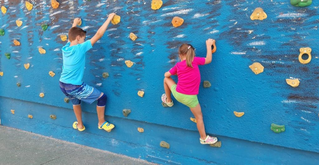 El campamento de Fundación Esfera fomenta la conciliación familiar y la diversión de los participantes