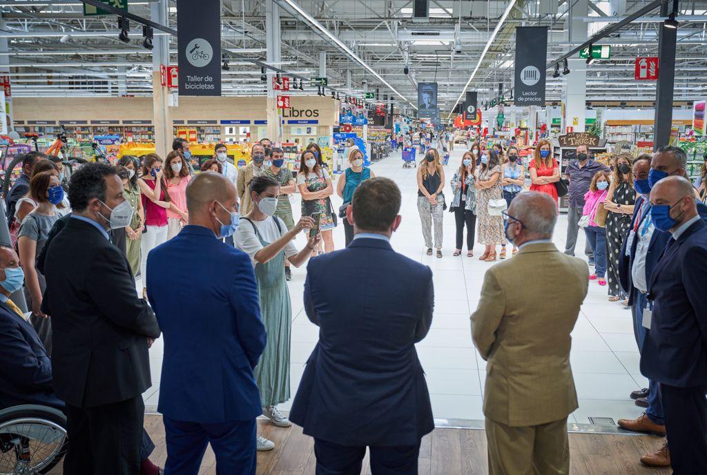 Carrefour España implanta 'La Hora Silenciosa' a favor de las personas con autismo e hipersensibilidad sensorial en sus centros