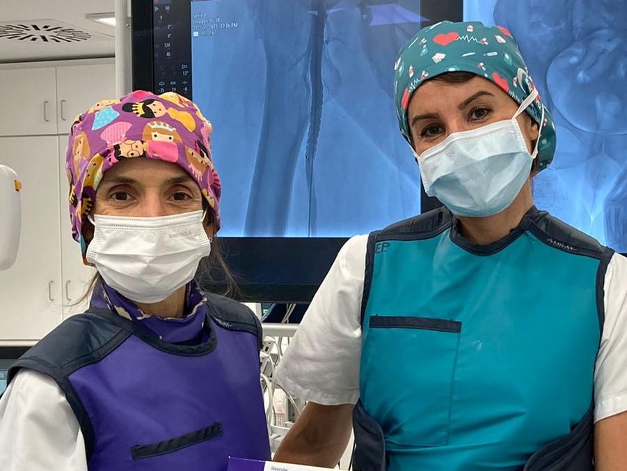 El Hospital Universitario de Araba implanta un innovador dispositivo vascular para la enfermedad arterial periférica.
